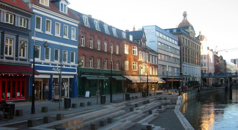 flyg århus stockholm