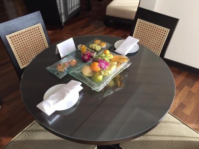 Fruktfatet var en del av välkomstpaketet från hotellet. Foto: Rolf A. H. Gjerdsjø