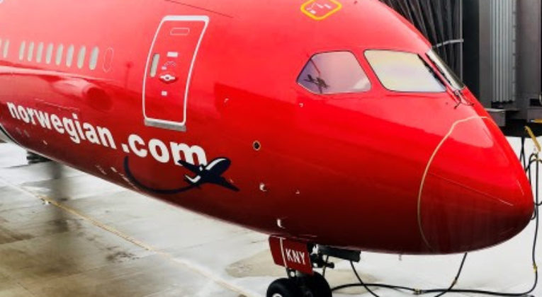 flyg till thailand från köpenhamn